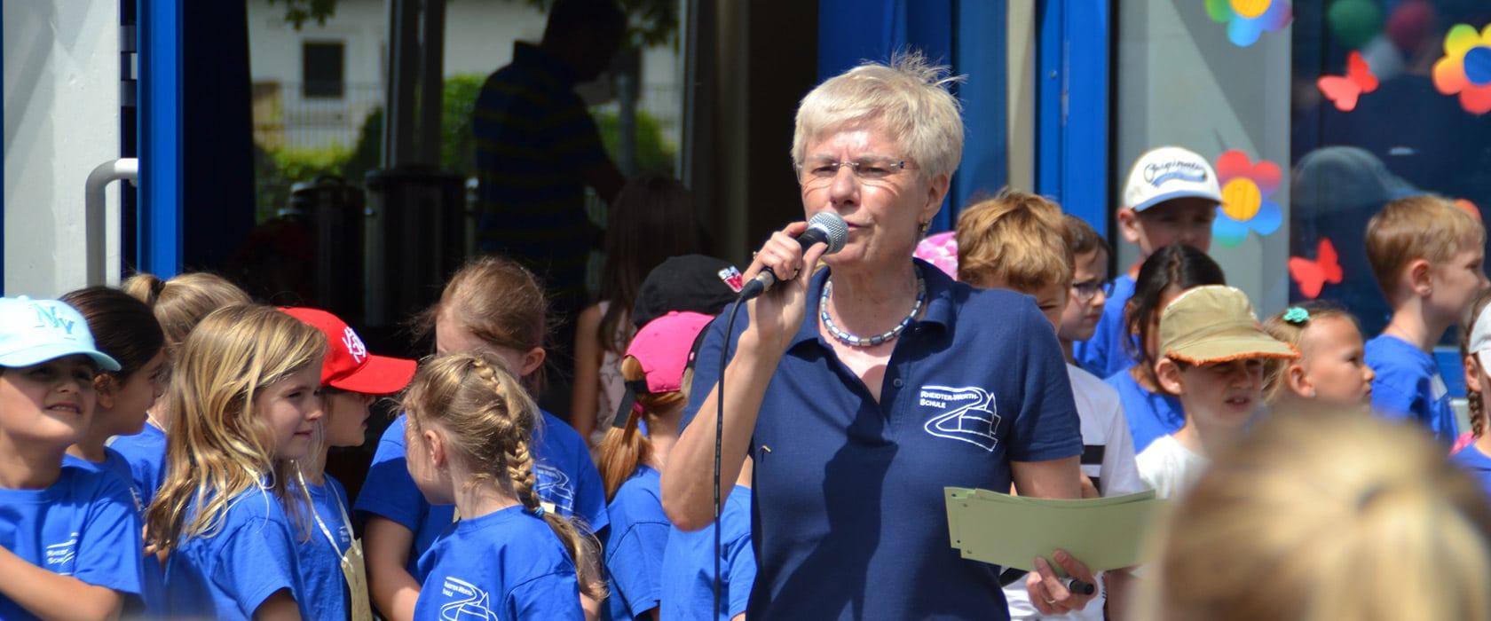 Rheidter-Werth-Schule-Schulhof